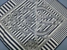 ANDRE LUCIANO(アンドレルチアーノ)のスカーフ