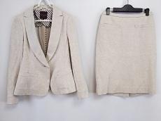 Filo di Seta(フィロディセタ)のスカートスーツ