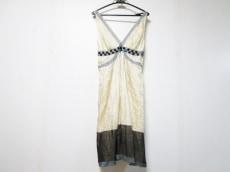 ALBERTA FERRETTI(アルベルタ・フェレッティ)のドレス
