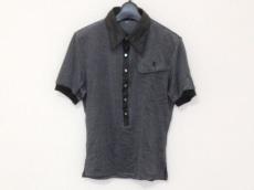 ato(アトウ)のポロシャツ