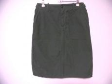 n100(エヌワンアンドレッド)のスカート