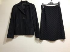 AKRIS(アクリス)のスカートスーツ