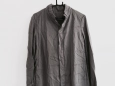Lumen et Umbra(ルーメンエットウンブラ)のコート