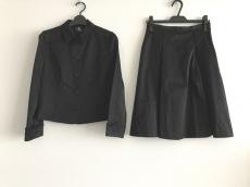 CK39(カルバンクライン)のスカートスーツ