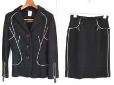 Tomaso Stefanelli(トマソステファネリ)のスカートスーツ