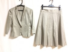 K.T.(キヨコタカセ)のスカートスーツ