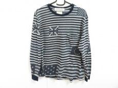 REMI RELIEF(レミ レリーフ)のTシャツ