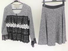 Regina Romantico(レジィーナロマンティコ)のスカートスーツ