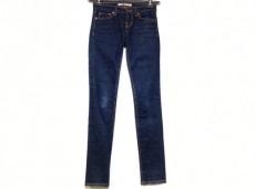 J Brand(ジェイブランド)のジーンズ