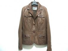 Montereggi(モンテレージ)のジャケット