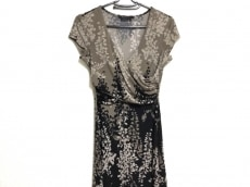 BCBGMAXAZRIA(ビーシービージーマックスアズリア)のドレス