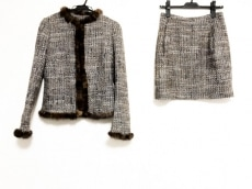BLUGiRL BLUMARINE(ブルーガールブルマリン)のスカートスーツ