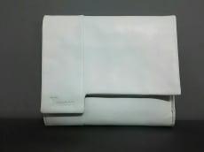 Y'SACCS(イザック)のWホック財布