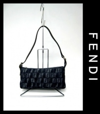 FENDI(フェンディ)のポーチ