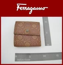 SalvatoreFerragamo(サルバトーレフェラガモ)のカードケース