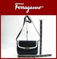SalvatoreFerragamo(サルバトーレフェラガモ)のショルダーバッグ