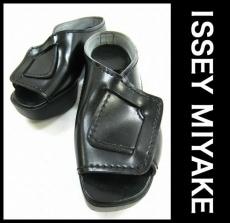 ISSEYMIYAKE(イッセイミヤケ)のサンダル