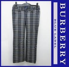 Burberry Blue Label(バーバリーブルーレーベル)のパンツ