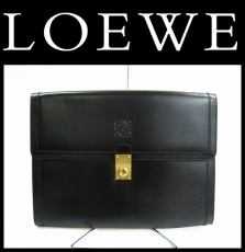 LOEWE(ロエベ)のビジネスバッグ