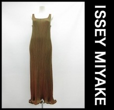 ISSEYMIYAKE(イッセイミヤケ)のワンピース