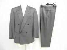 GIANFRANCO FERRE(ジャンフランコフェレ)のメンズスーツ