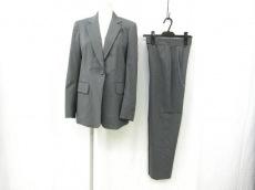 DKNY(ダナキャラン)のレディースパンツスーツ