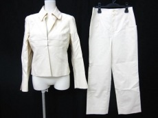 KARL LAGERFELD(カールラガーフェルド)のレディースパンツスーツ