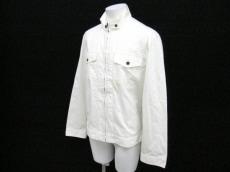 a.v.v.(アーヴェヴェ)のジャケット