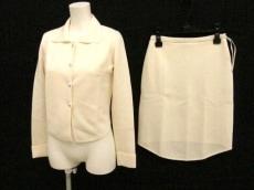 ANNAMOLINARI(アンナモリナーリ)のスカートスーツ