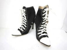 MANOLOBLAHNIK(マノロブラニク)のブーツ