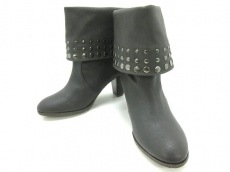 PETITE CLASSE(プティトゥクラッセ)のブーツ