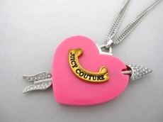 JUICYCOUTURE(ジューシークチュール)のネックレス