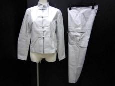 YOSHIEINABA(ヨシエイナバ)のレディースパンツスーツ