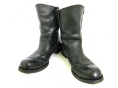 WHISTLE AND FLUTE(ホイッスル アンド フルート)のブーツ