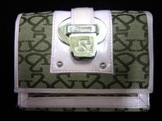 &byP&D(アンドバイピンキー&ダイアン)の3つ折り財布