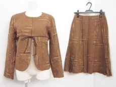 PRIMA CLASSE ALVIERO MARTINI(プリマクラッセ)のスカートスーツ
