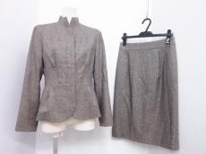 YOSHIE INABA(ヨシエイナバ)のスカートスーツ
