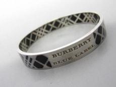 Burberry Blue Label(バーバリーブルーレーベル)のバングル