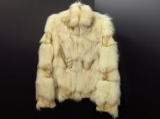 Apuweiser-riche(アプワイザーリッシェ)のコート