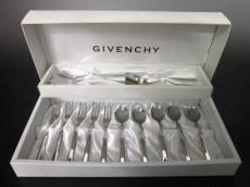 GIVENCHY(ジバンシー)の食器