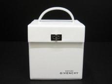 GIVENCHY(ジバンシー)のバニティバッグ