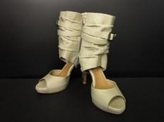 THE FIRST(ザファースト)のブーツ
