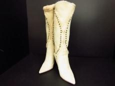 JIMMYCHOO(ジミーチュウ)のブーツ