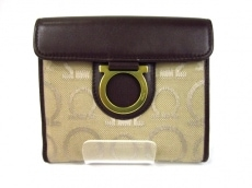 SalvatoreFerragamo(サルバトーレフェラガモ)のWホック財布