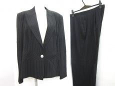 GIANFRANCOFERRE(ジャンフランコフェレ)のレディースパンツスーツ