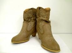 Tiffany Alana(ティファニーアラナ)のブーツ