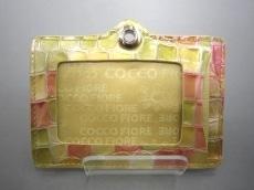 COCCO FIORE(コッコフィオーレ)のパスケース