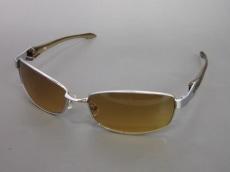 TK(ティーケータケオキクチ)のサングラス