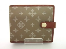 russet(ラシット)の2つ折り財布