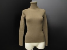 Le verseaunoir(ルヴェルソーノアール)のセーター